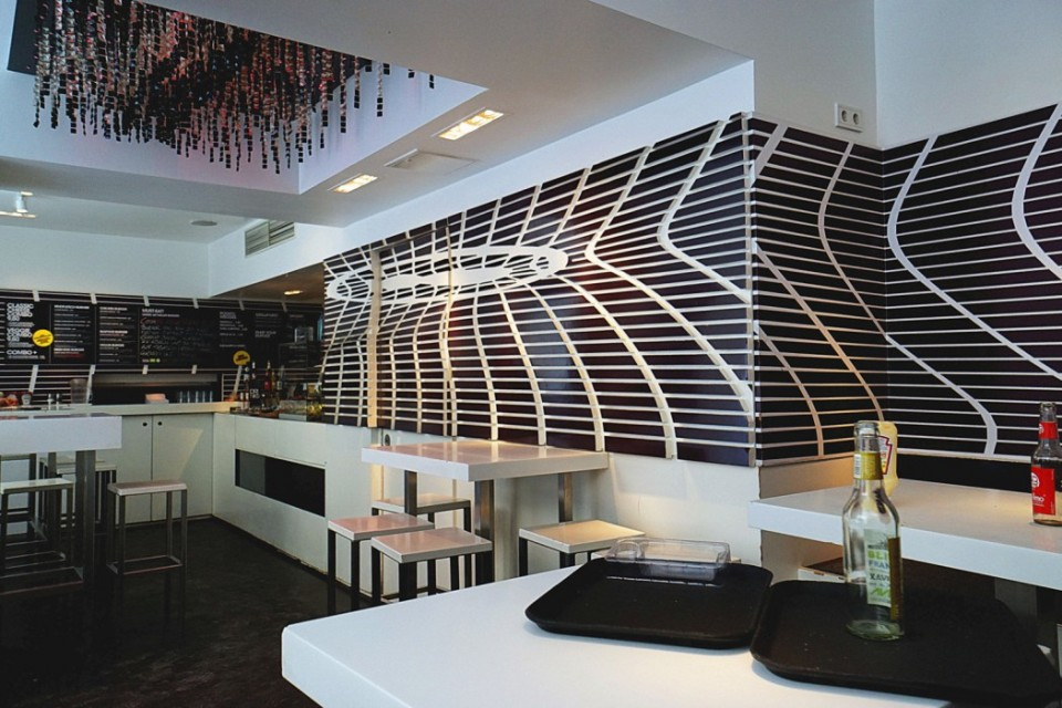 Cosmogrill-inside-1050x700
